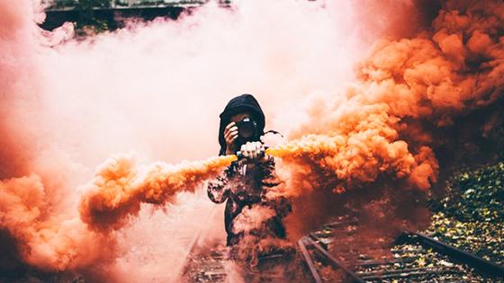 Идеи с цветным дымом для фотосессии